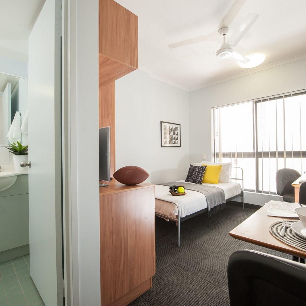 UniLodge on Margaret Studio Apartment