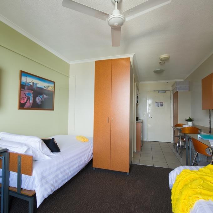 UniLodge Shafston Studio Apartment Airconditioning