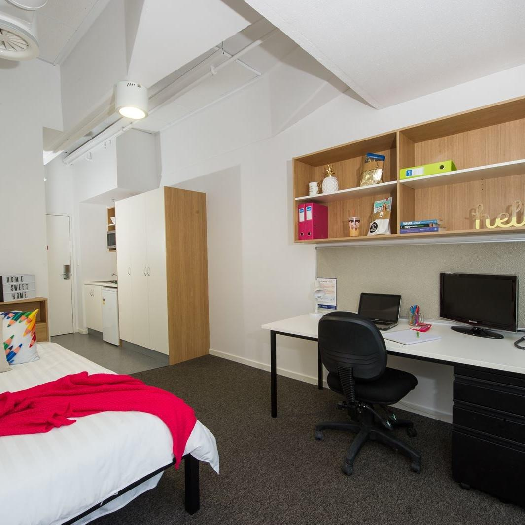 UniLodge Canberra Studio Apartment