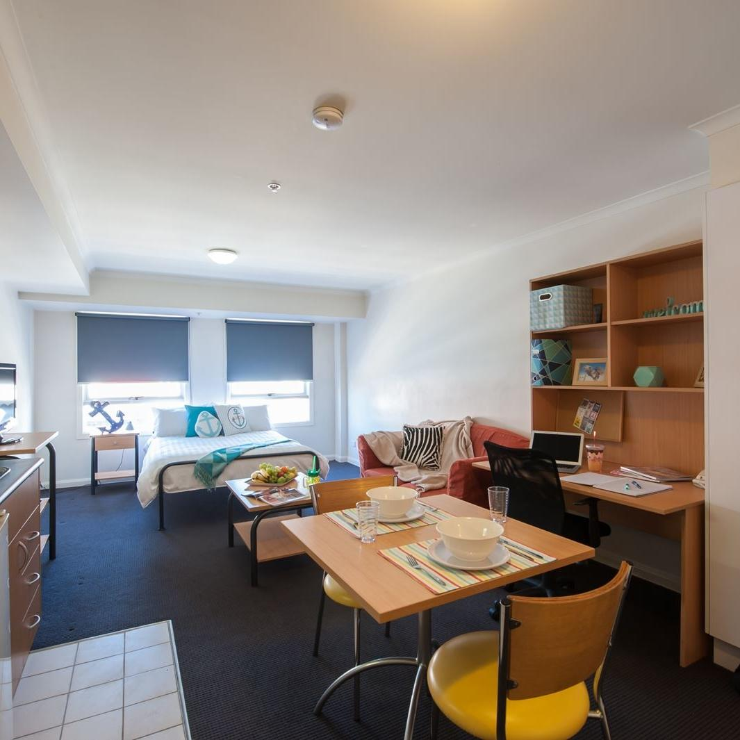 UniLodge on Flinders Studio Apartment