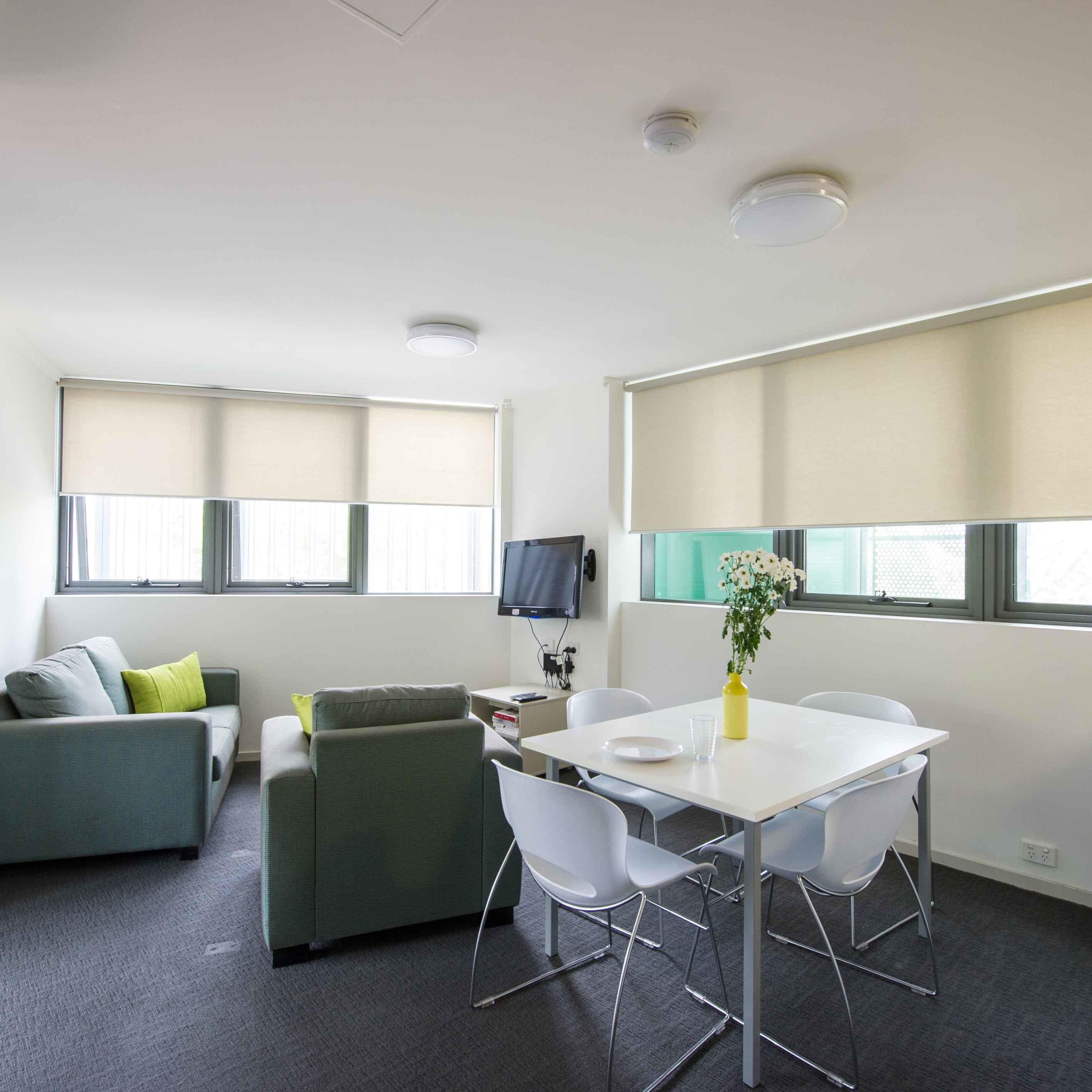 UniLodge @ ANU Warrambul Lodge 5 Bedroom Apartment