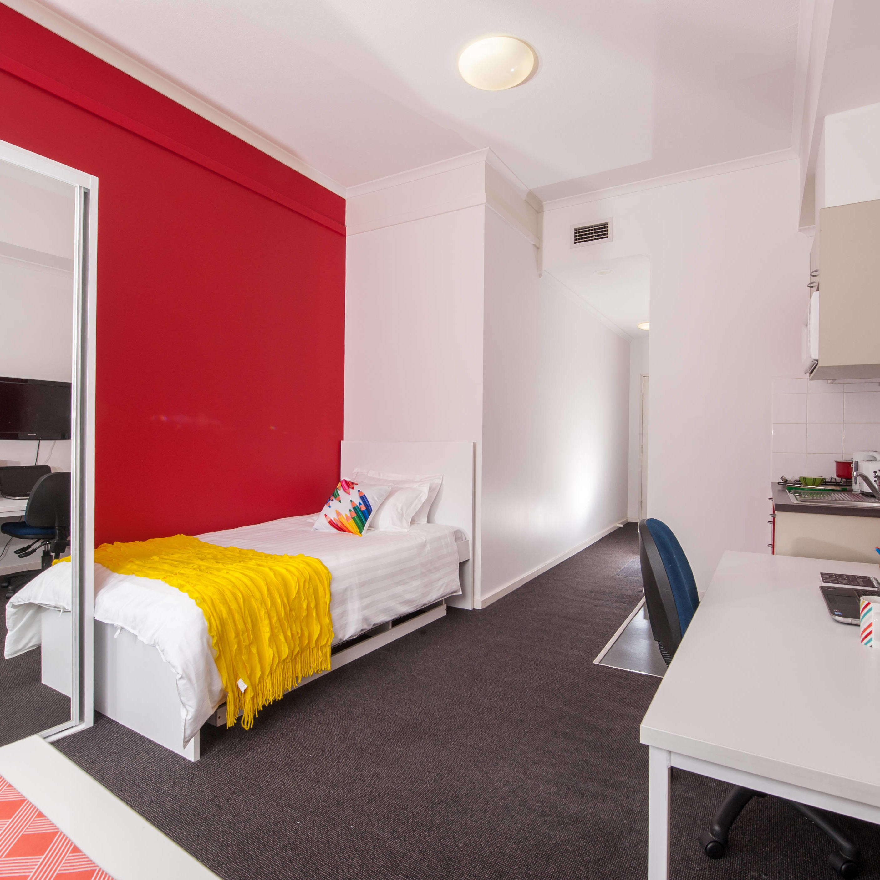 UniLodge @ UNSW - Studio Large Apartment