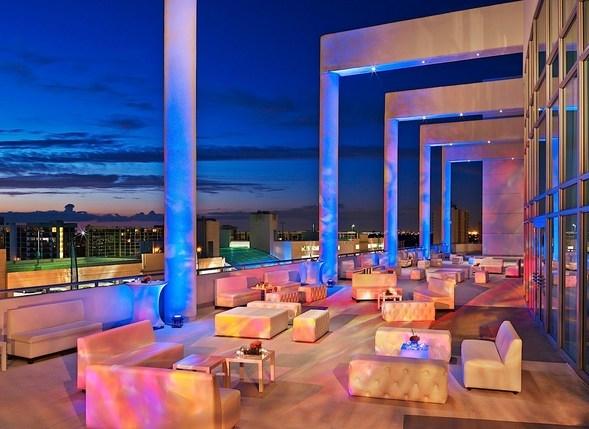 Outdoor Balcony Lobby
