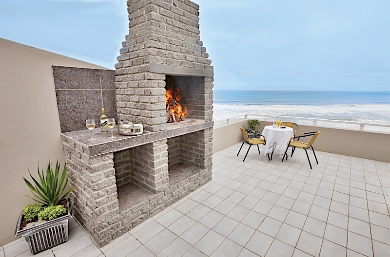 Braai Area/Outdoor Fire Place