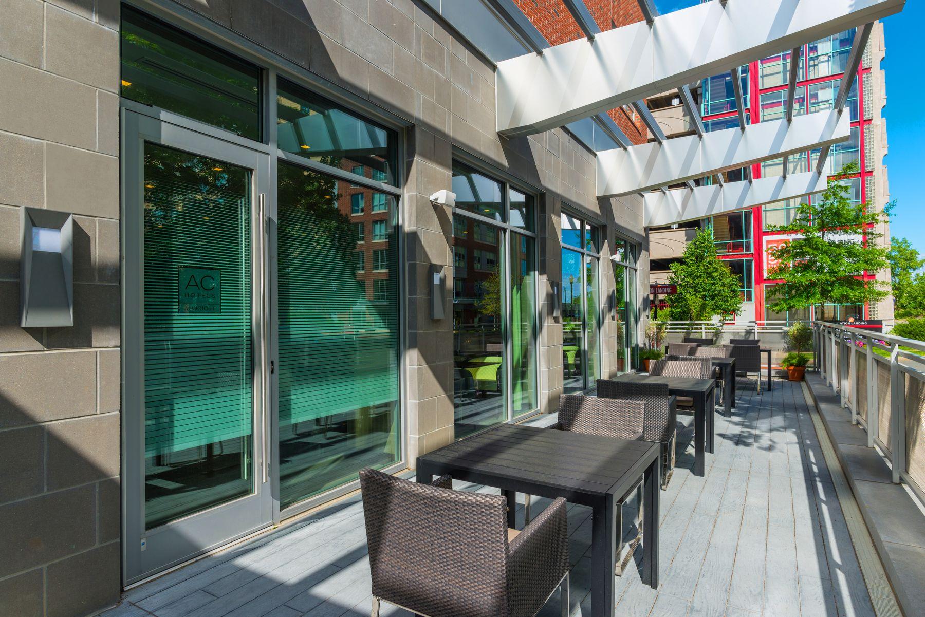 Restaurant patio seating