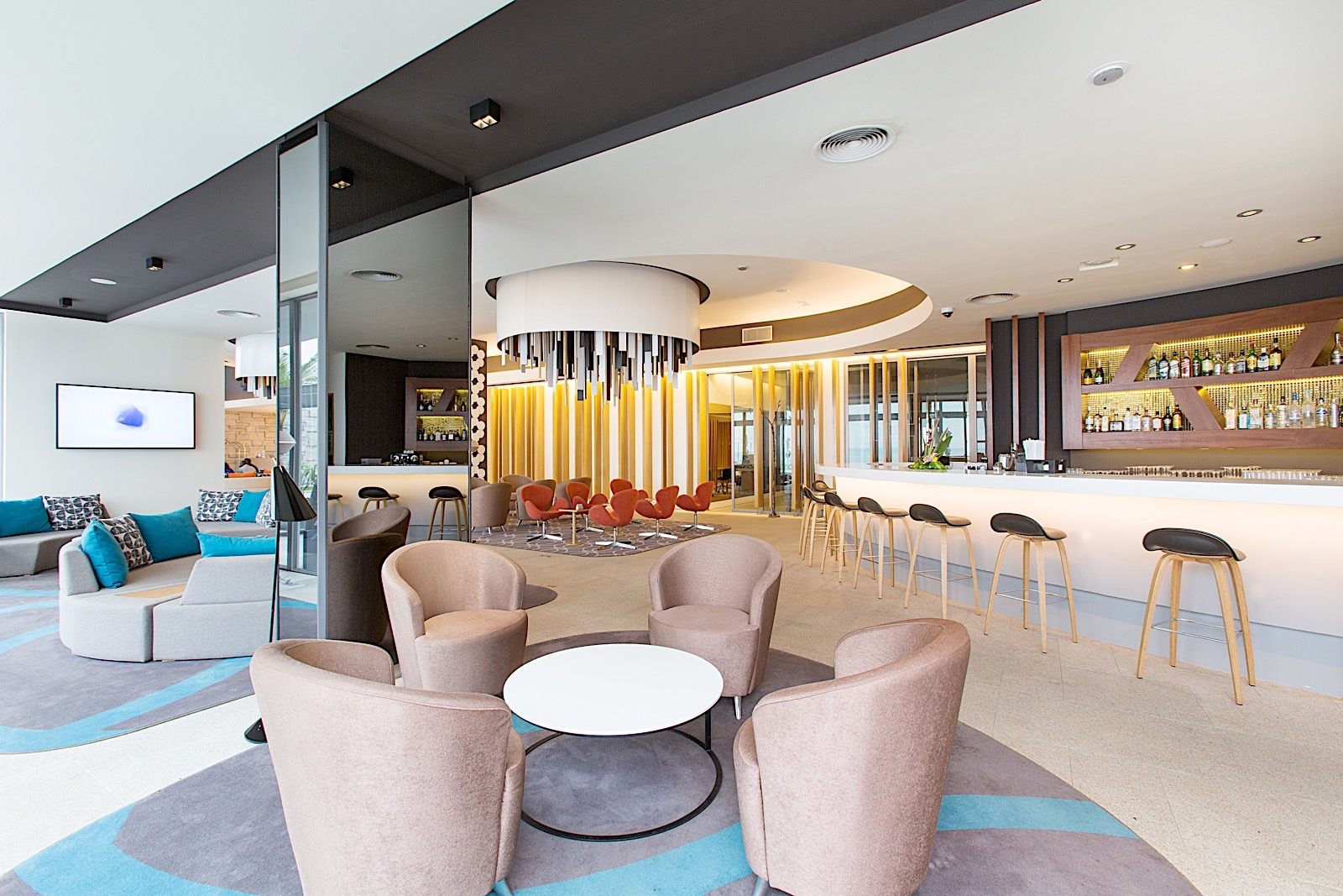 Lounge Bar at Noom Hotel Conakry