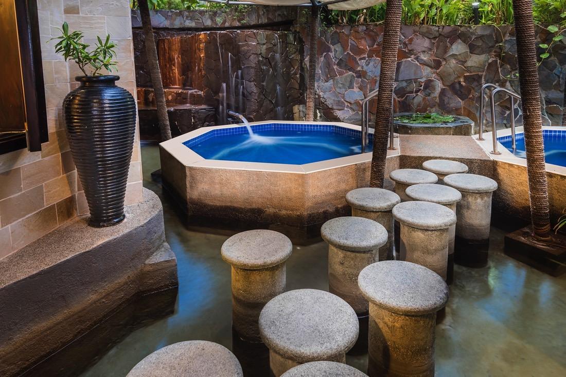 Tubs- Hot and Cold at Warwick Fiji