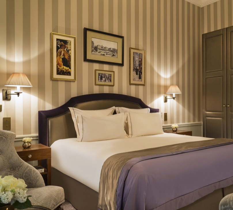 Bedroom at Hotel Westminster Warwick Paris