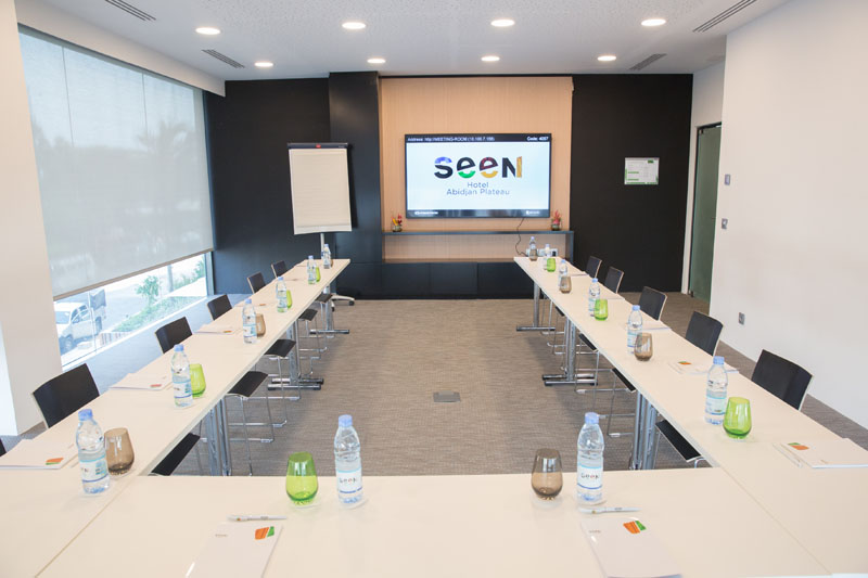 Meeting room at Seen Hotel Abidjan Plateau