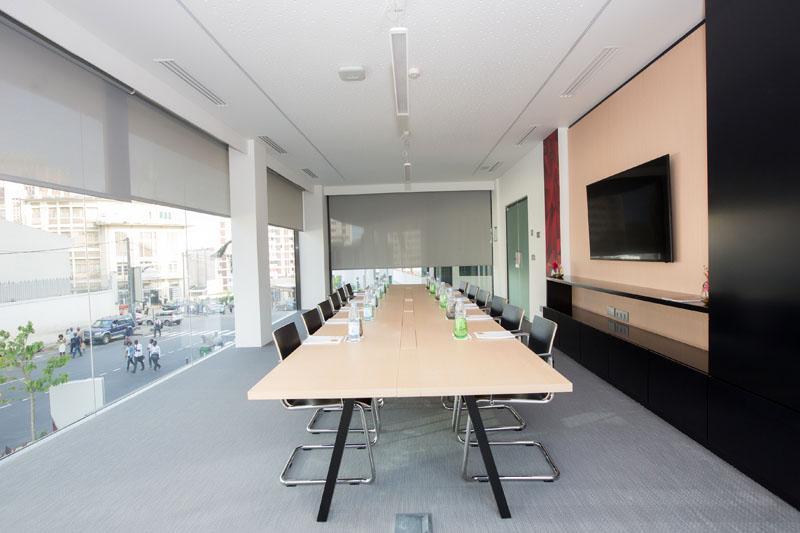 Meeting room at Seen Hotel Abidjan Plateau