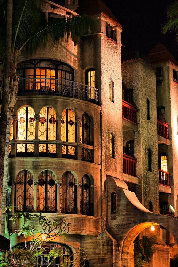 exterior balcony and windows of Mission Inn Hotel Riverside