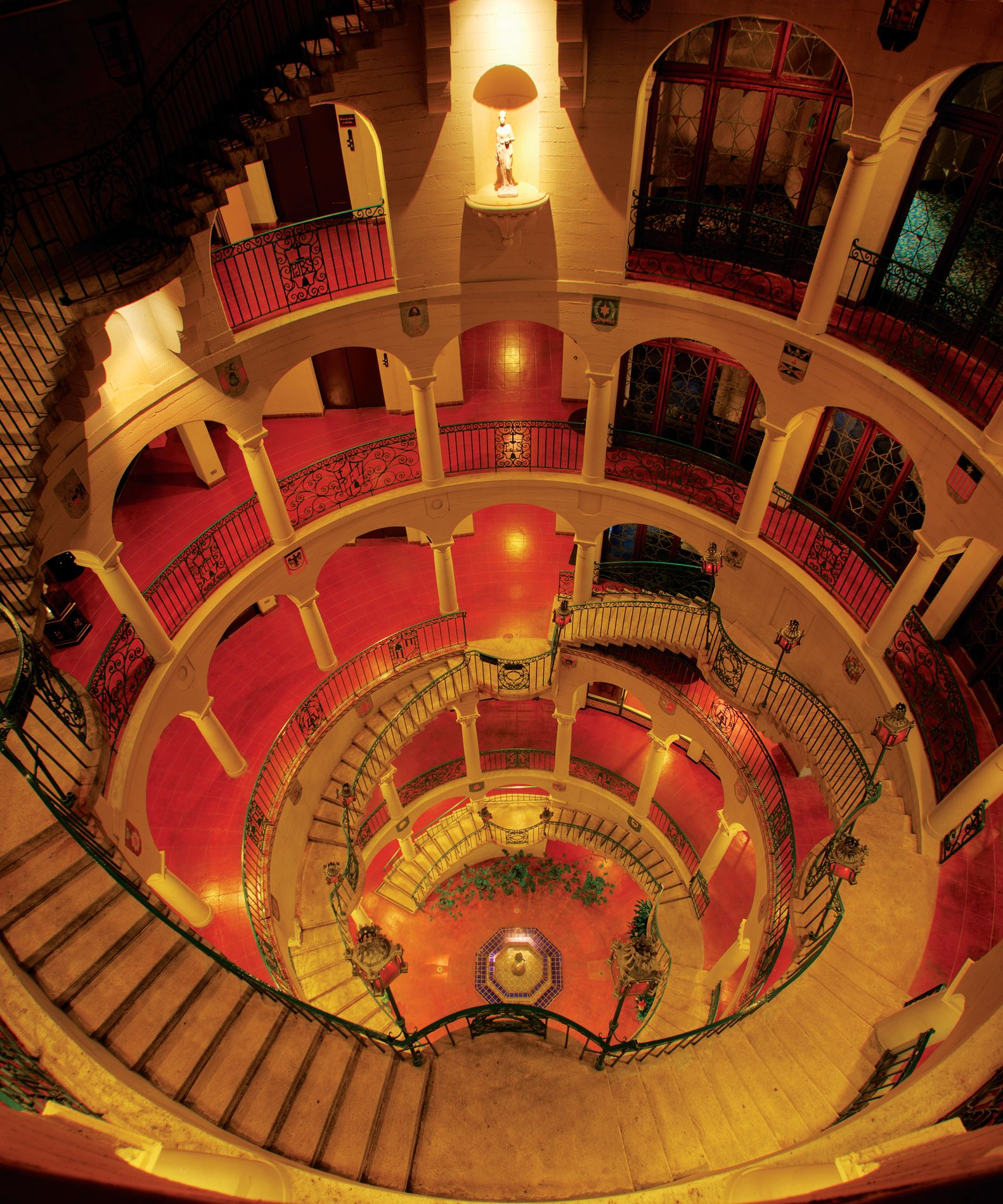 Mission Inn interior tundra staircase