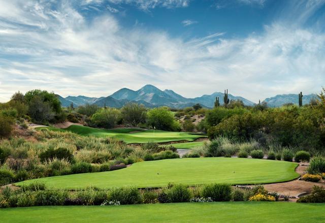 WeKoPa Golf Club Green with mountain views