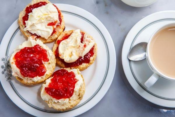 Cornish cream tea at The Cornwall