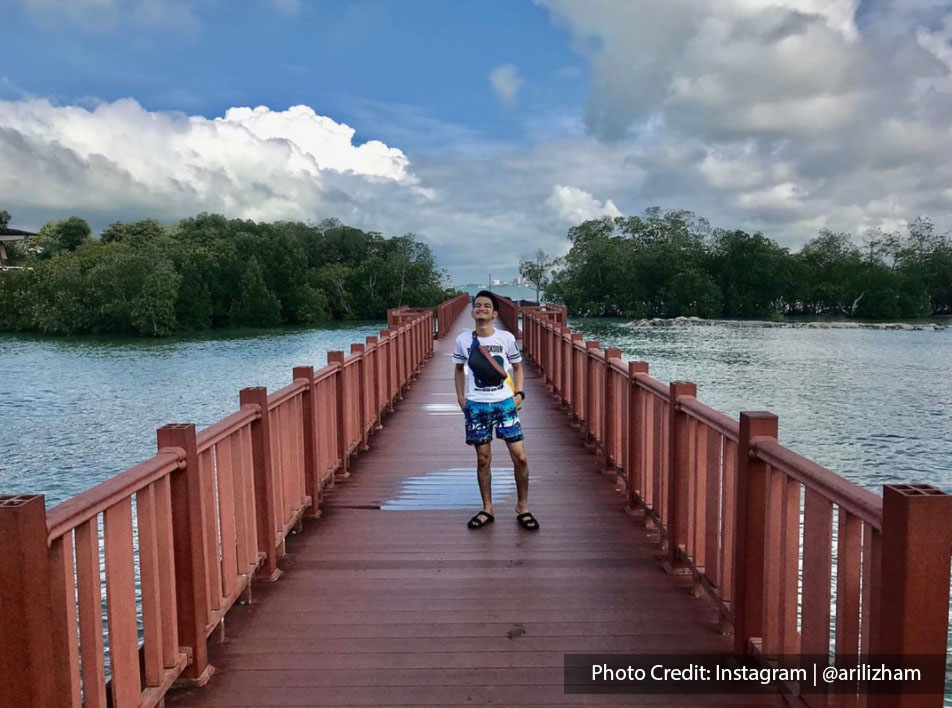 Awesome shot on a red bridge in Port Dickson