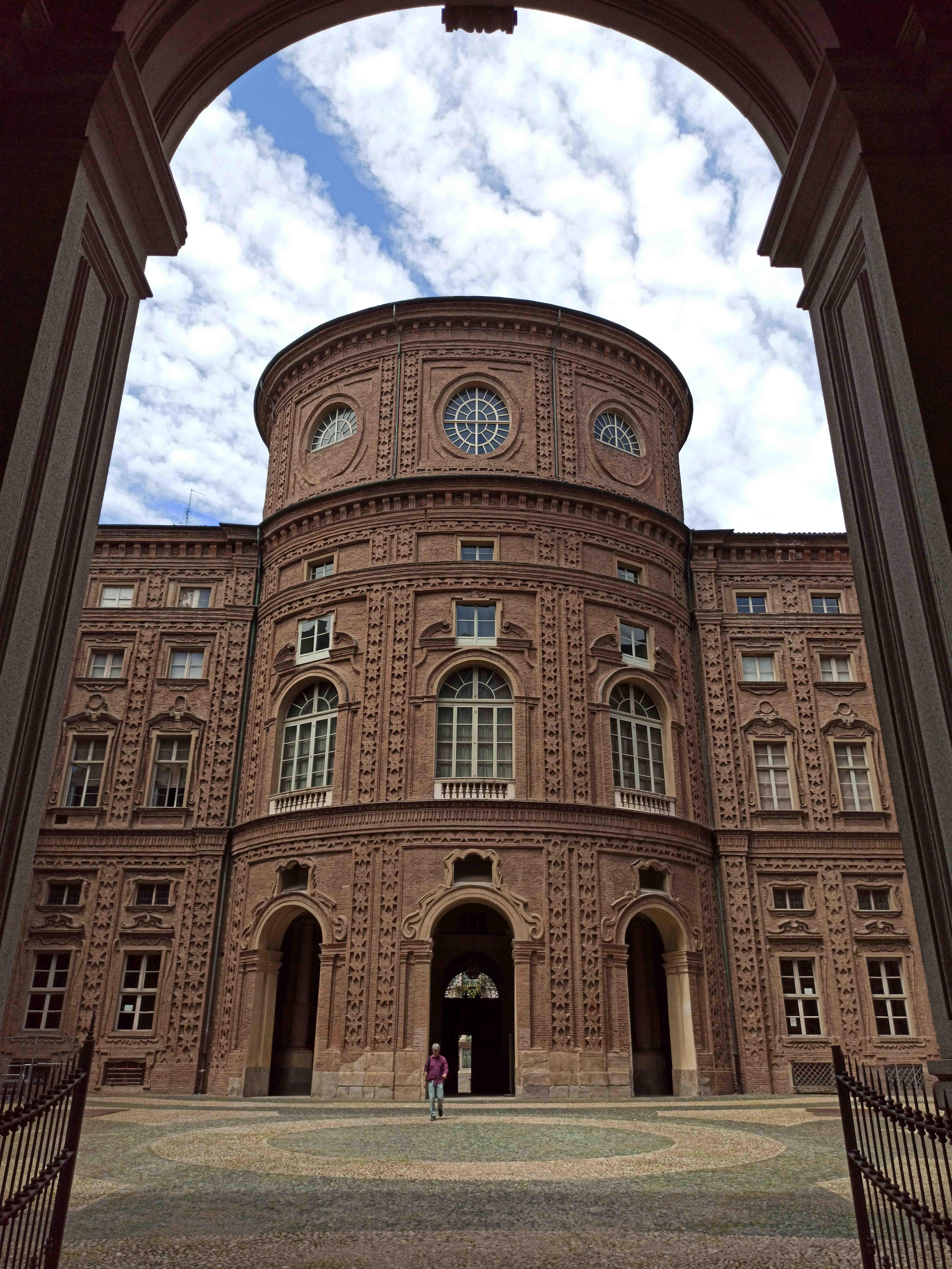 Le Residenze Sabaude di Torino, Palazzo Carignano