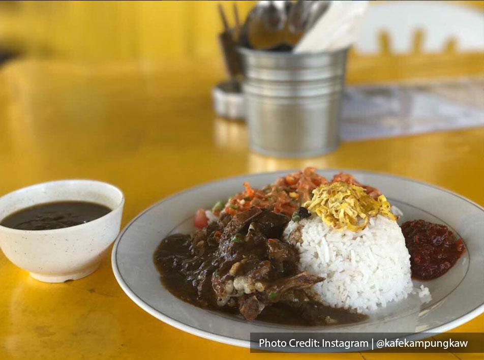 Nasi Lemak with Grilled Lamb from Kafe Kampung Kaw, halal restaurant near to Lexis Hibiscus Resort