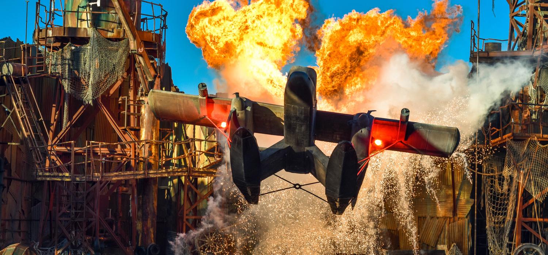 plane crash at waterworld show
