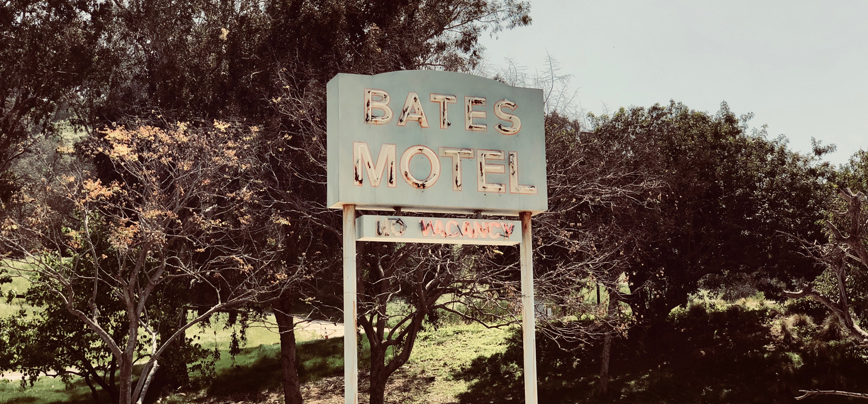 bates motel movie set sign
