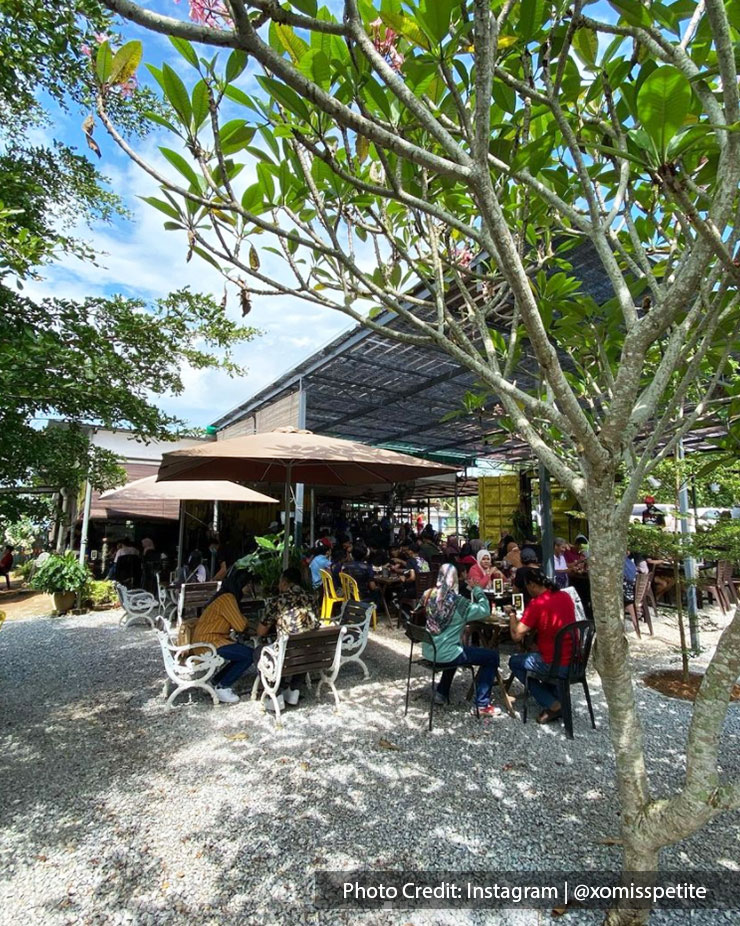 Kafe Kampung Kaw, a popular breakfast spot is one of the best cafes in Port Dickson