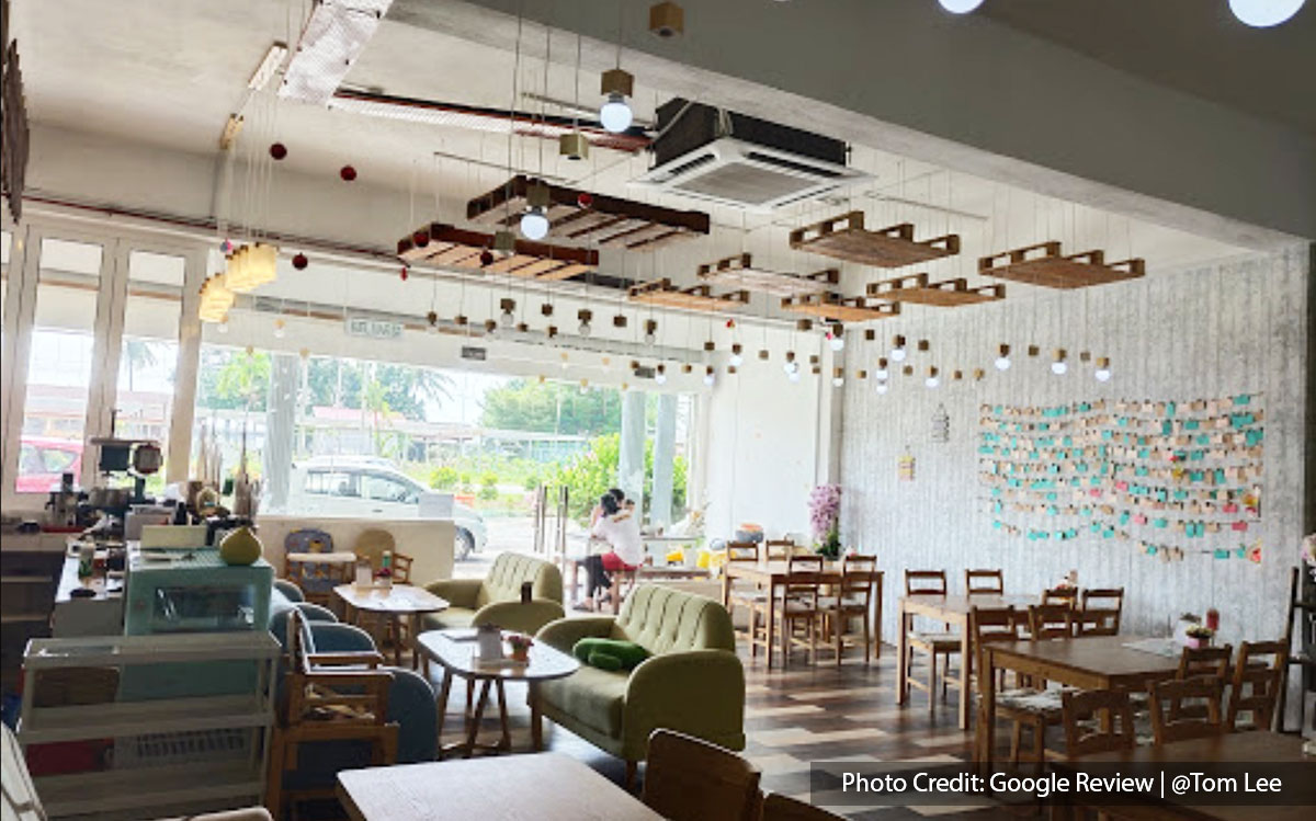 Interior design of Oyako Dining Lounge, a cafe in Port Dickson