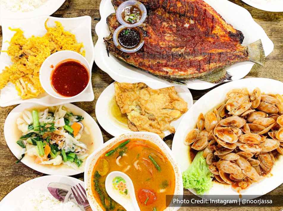 Signature seafood dishes at Restoran Seri Mesra Ikan Bakar & Seafood, Port Dickson