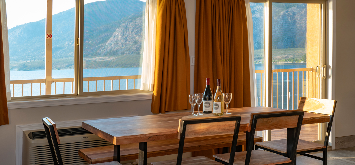 \\'here lo slay around Osoyoos, Coast Osoyoos Beach Hotel