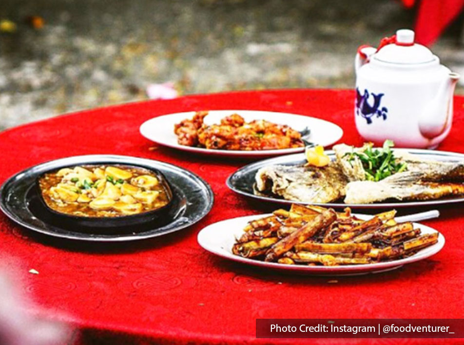 A table of dishes at Weng Yin Seafood Village, Port Dickson