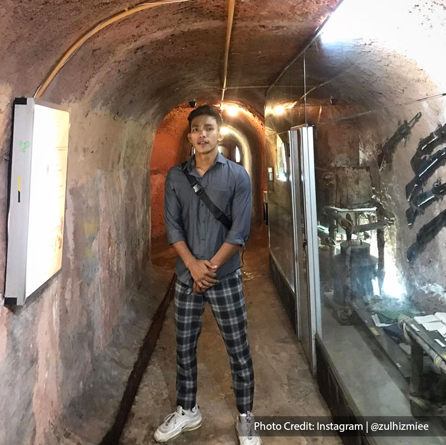 Recreated underground tunnel in army museum