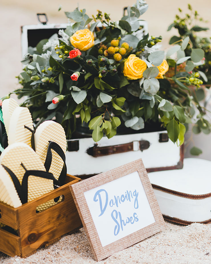 Allow your guests to have dancing slippers to enjoy your beach wedding