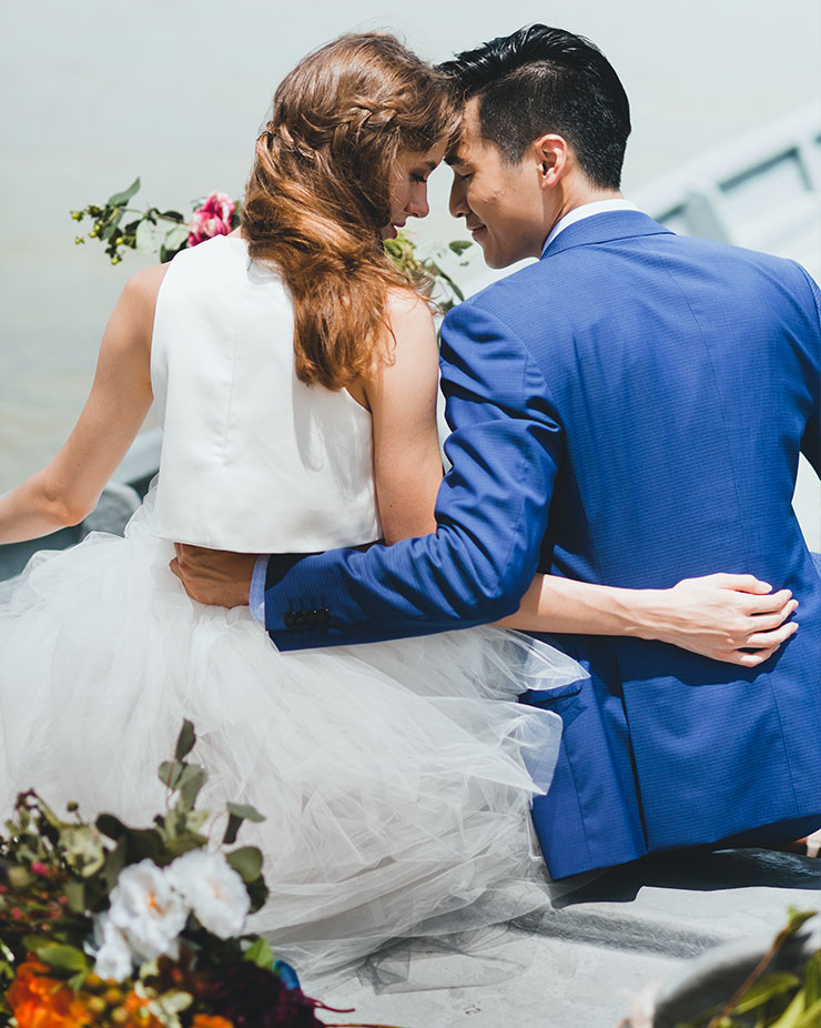 Rent a boat and take wedding photos with your significant other at Lexis