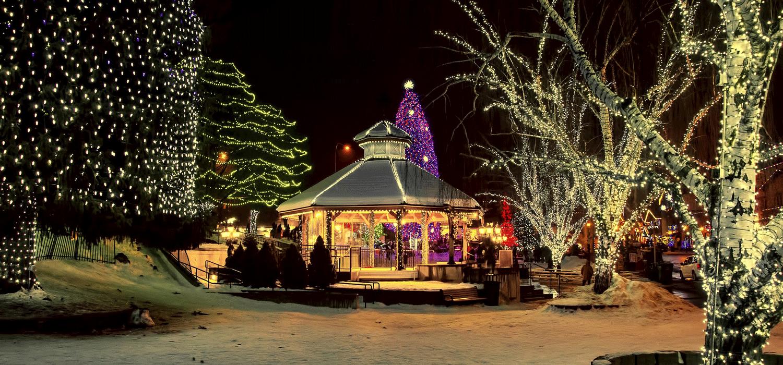 Leavenworth gazebo lit up for Christmas