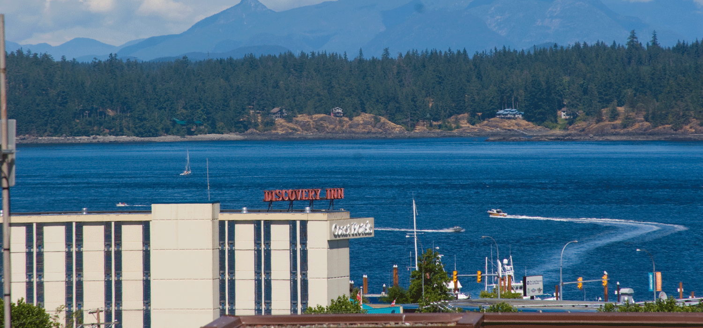 exterior of Coast Discovery Inn