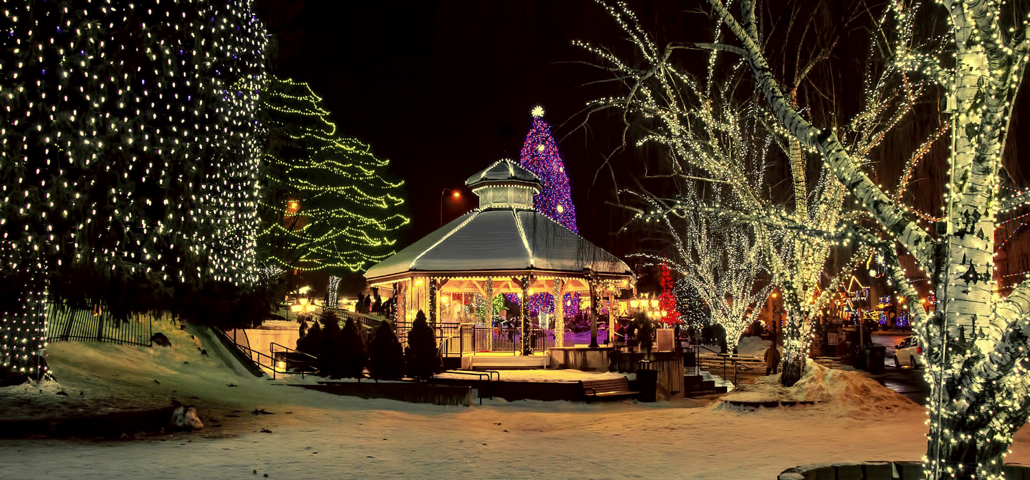 Leavenworth gazebo lit up for Christmas